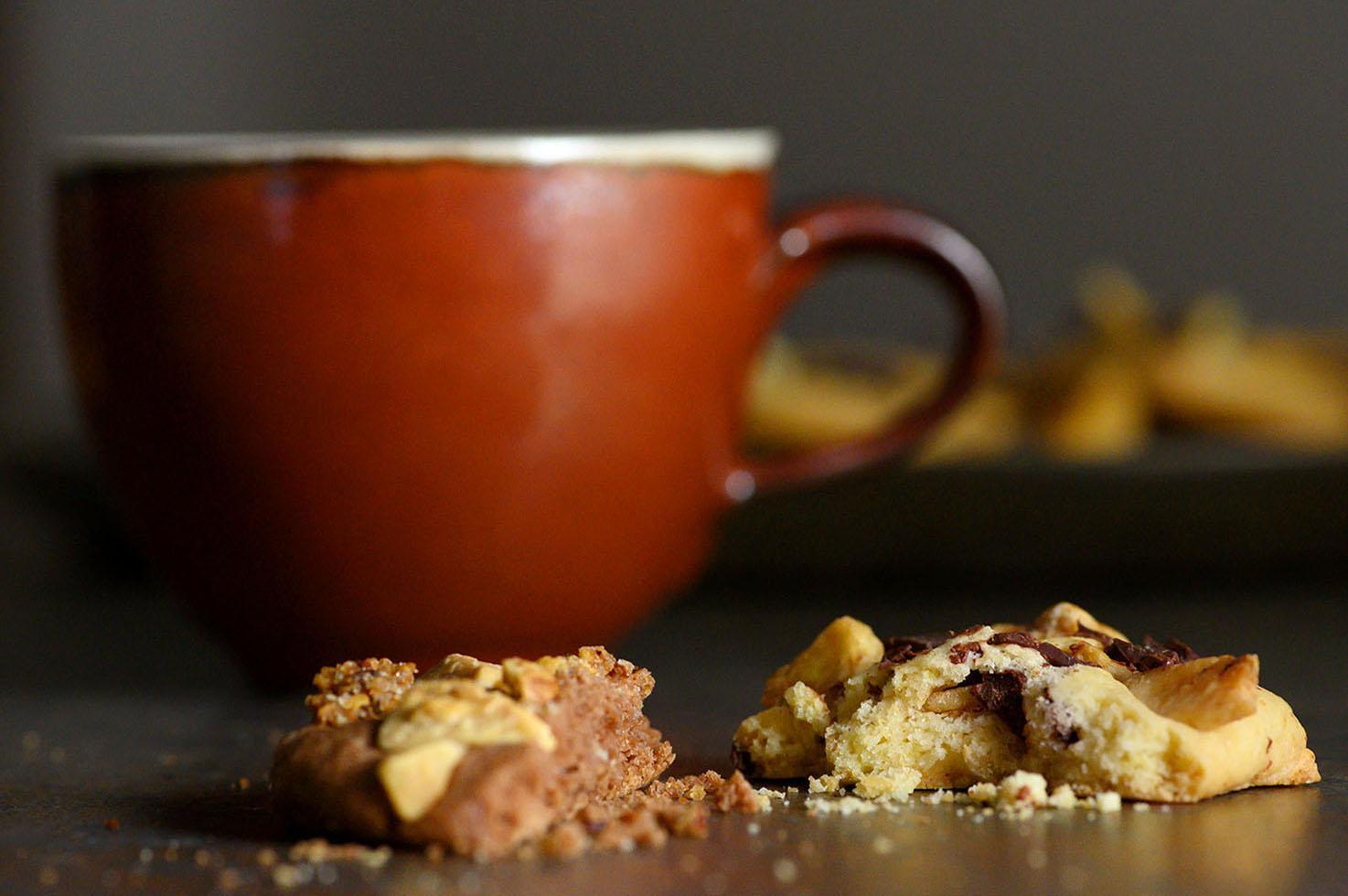 Schoko-Cookies mit Schokostücken