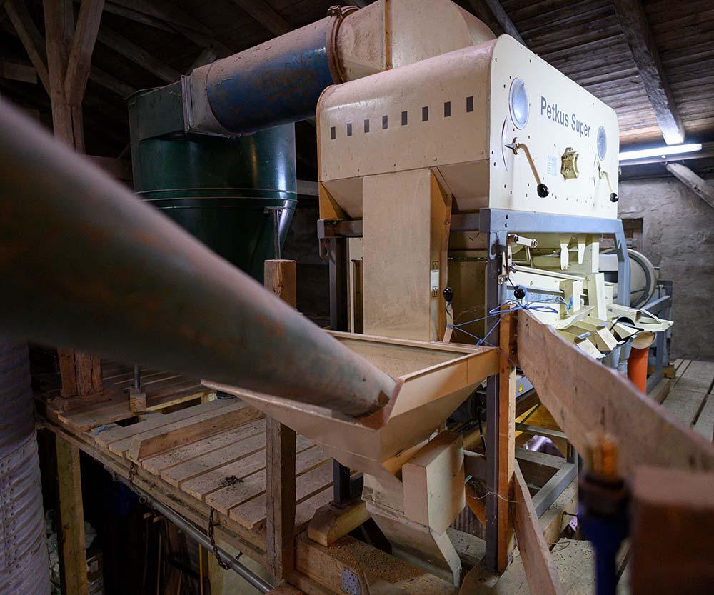 Maschine im Silo zur Sortierung und Trocknung von Getreide
