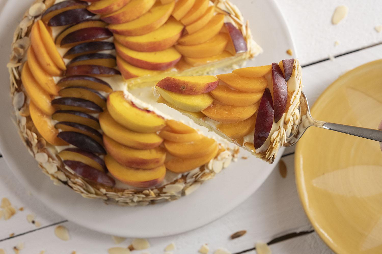 Obstkuchen mit frischem Steinobst