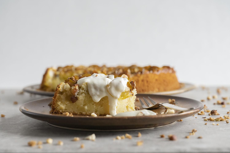 Joghurtkuchen mit Schafjoghurt und Krokant