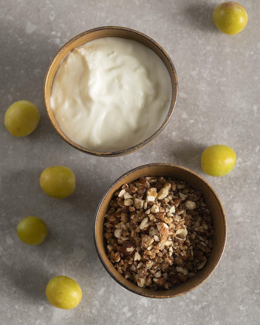 Schafjoghurt und Krokant für Joghurtkuchen