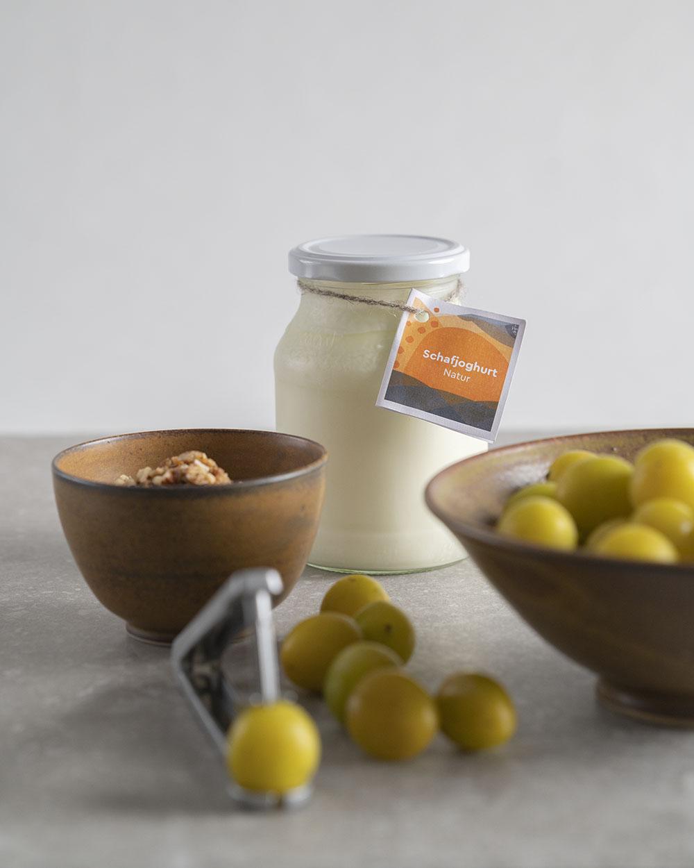 Zutaten für unseren Joghurtkuchen mit Schafjoghurt und Obst
