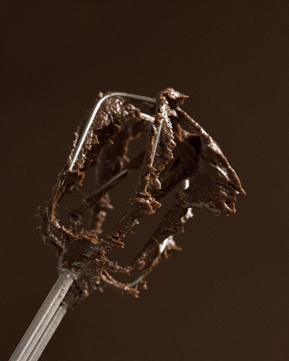 Schokoladiger Rührteig für Schokokuchen mit Birnen