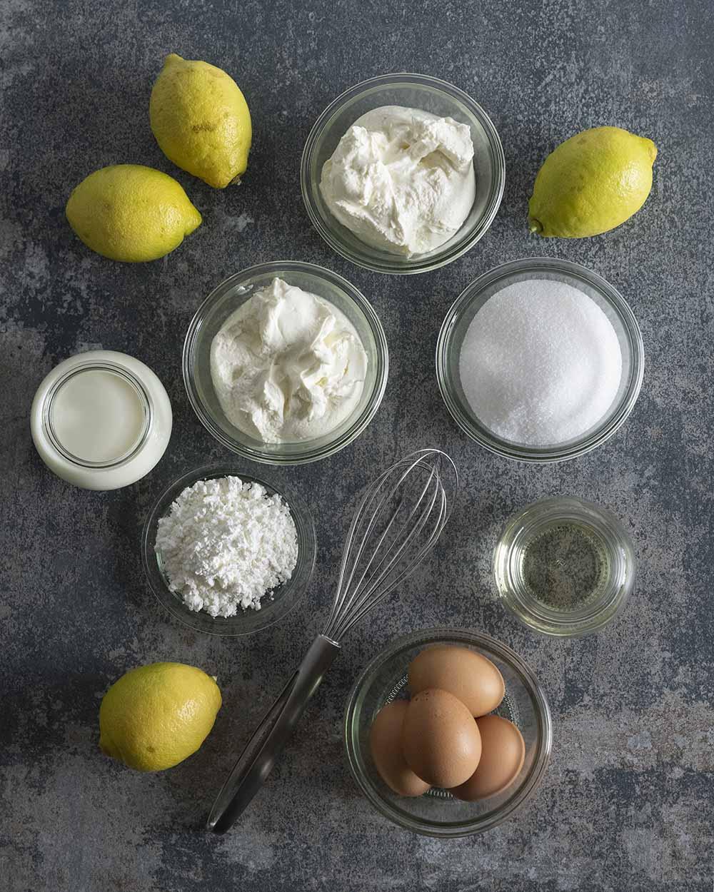 Die Zutaten für unsere Käsecreme von oben fotografiert