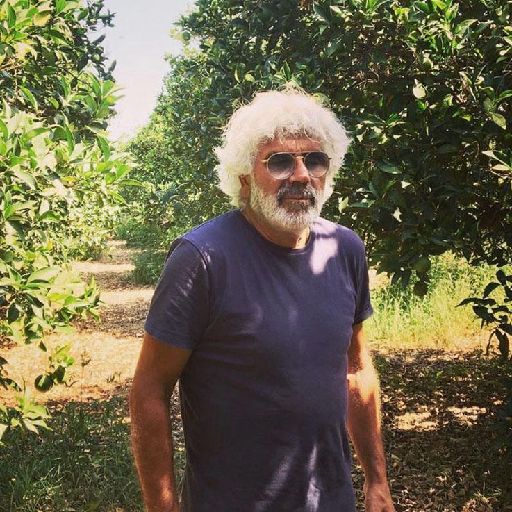 Angelo Gibilisco auf einem Feld seiner Zitrus-Plantagen