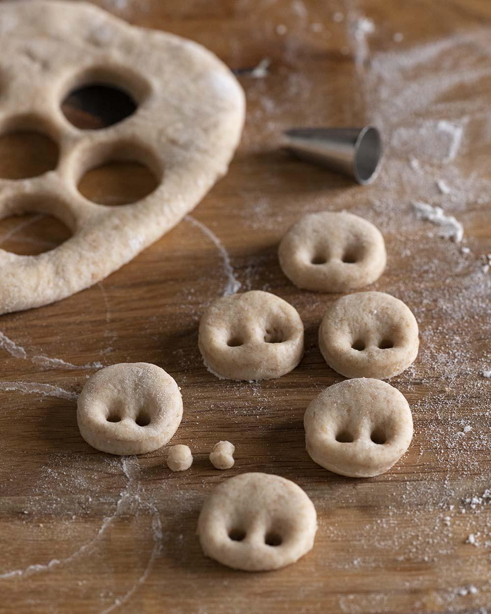 Die Nasen für die Glücksschweinchen in der Nahaufnahme