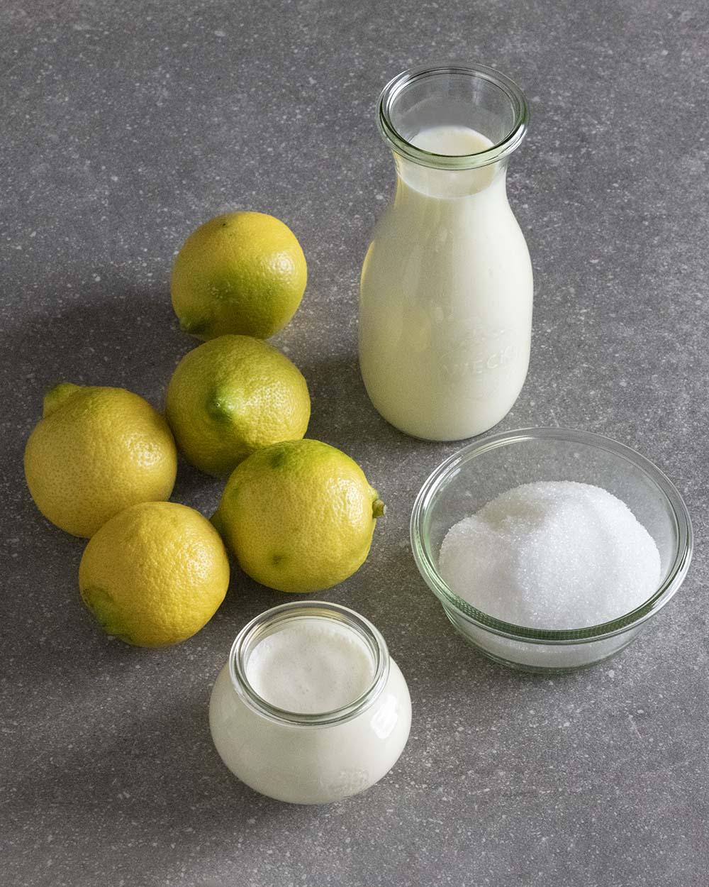 Die Zutaten für unser Zitronen-Eis auf einen Blick