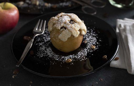 Der perfekte Bratapfel mit Mürbeteig-Haube
